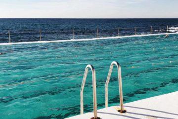 Pool mit Meer